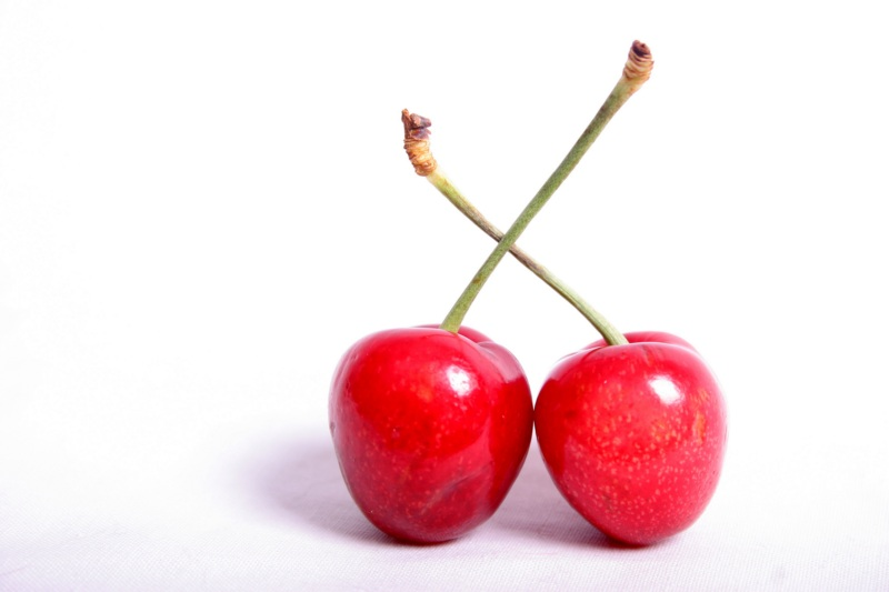two_cherries 1600x1200